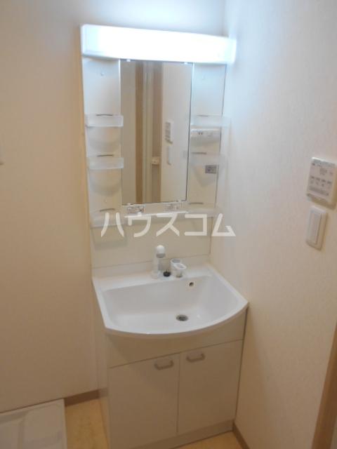 クオリカ太秦 306号室の洗面所