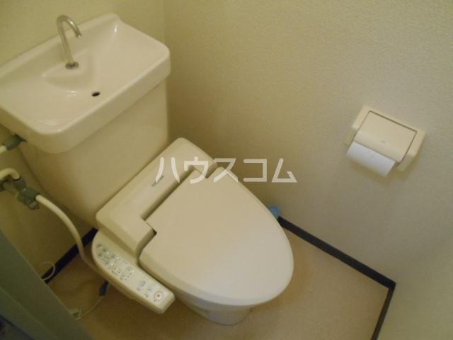 グレースコート御室 202号室のトイレ