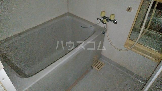 グランドコート鴻の巣 305号室の風呂