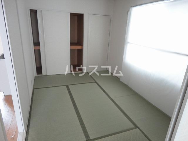 メイプル笹川 202号室の玄関