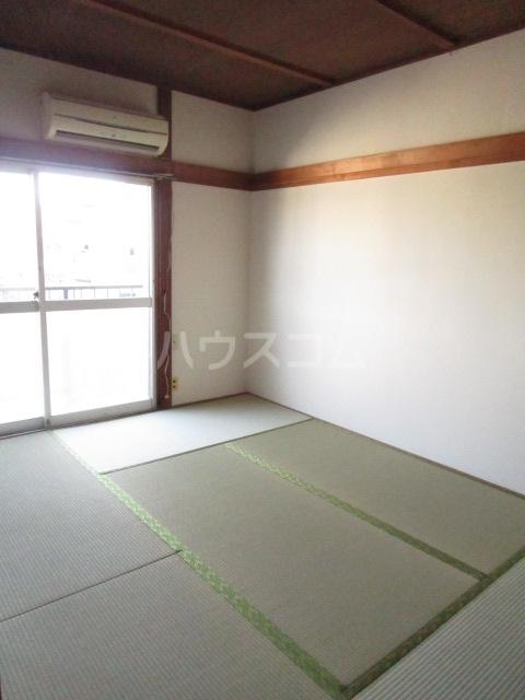 秋元コーポ A号室のベッドルーム