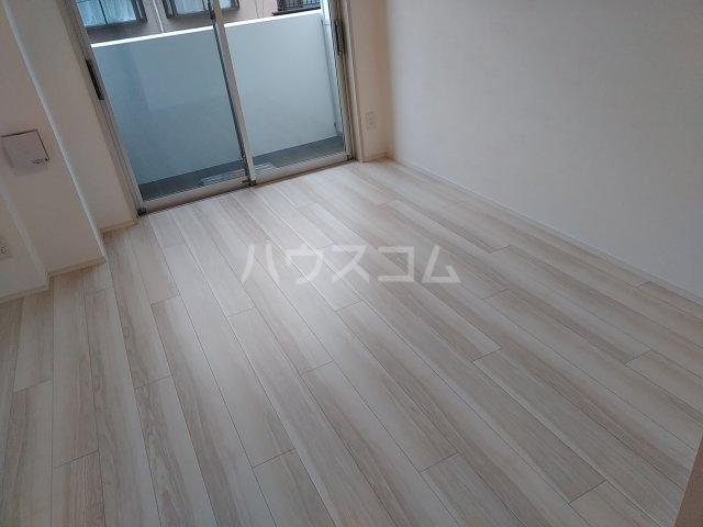 プレール・ドゥーク新宿West 108号室のエントランス