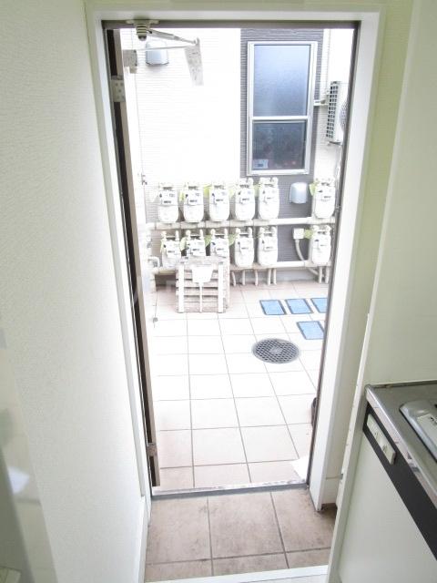 サークルハウス国分寺 109号室の玄関