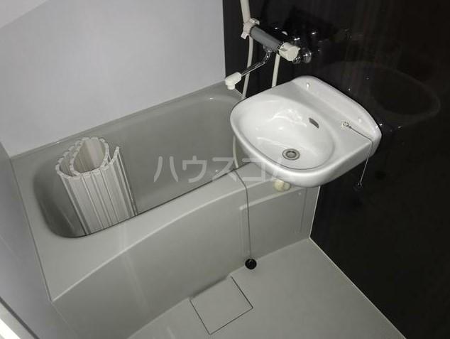 プラウドメゾン上大岡 103号室の風呂