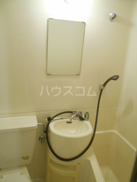 パティオ篠 407号室の洗面所