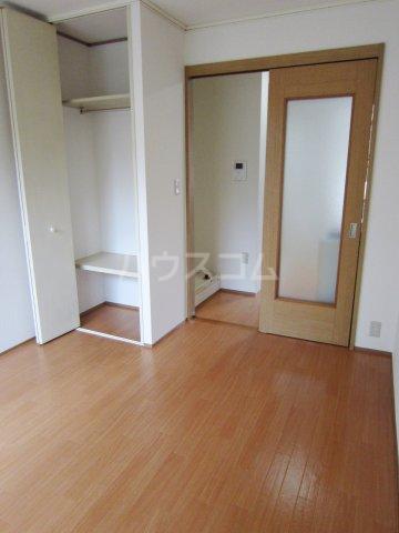シティハイムカトレヤ 203号室のリビング