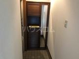 ウェンディA 101号室の玄関
