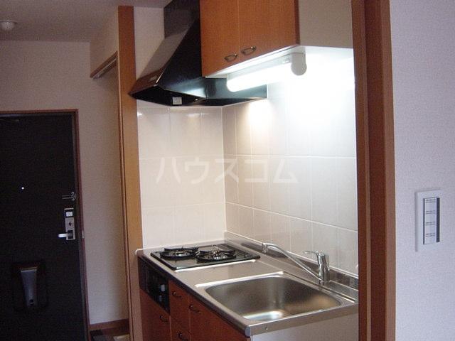 エバーハイツ 202号室のキッチン