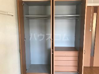 エバーハイツ 202号室の収納