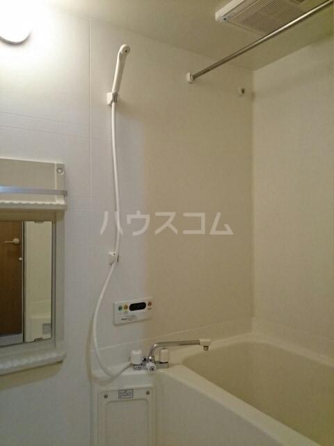 ヴィラルージュ 02030号室の風呂