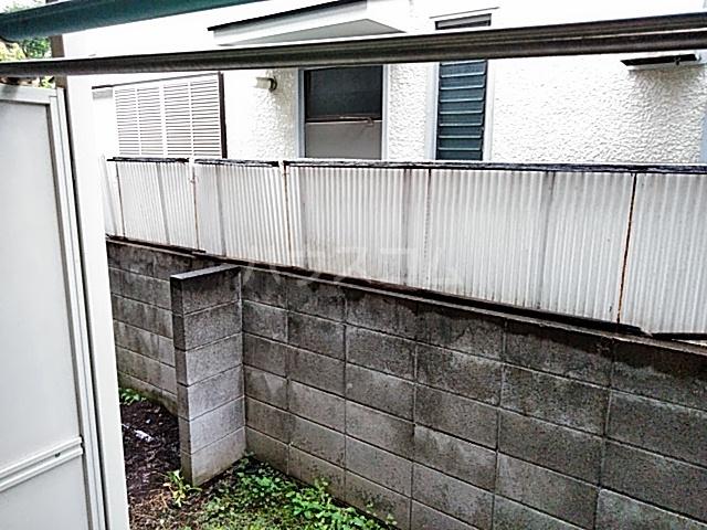 フラット用賀 104号室の玄関