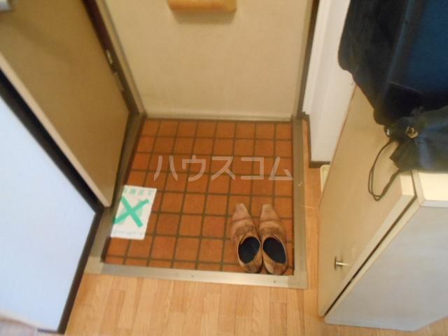ハイツ水喜 A102号室の玄関