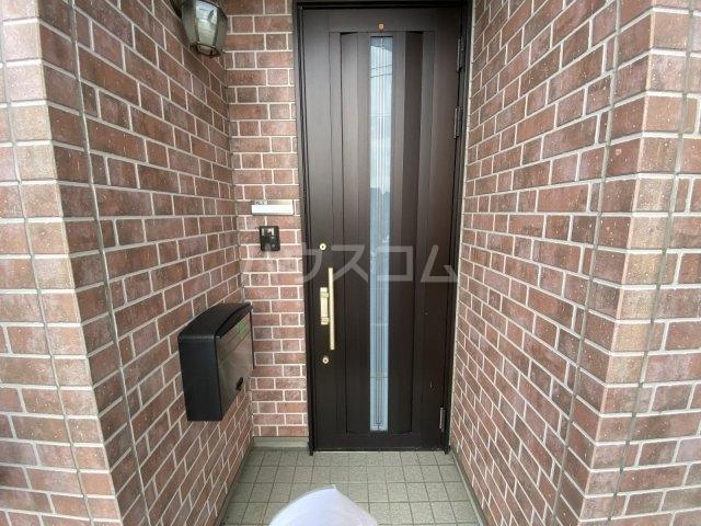 メゾネット椿 北棟の玄関