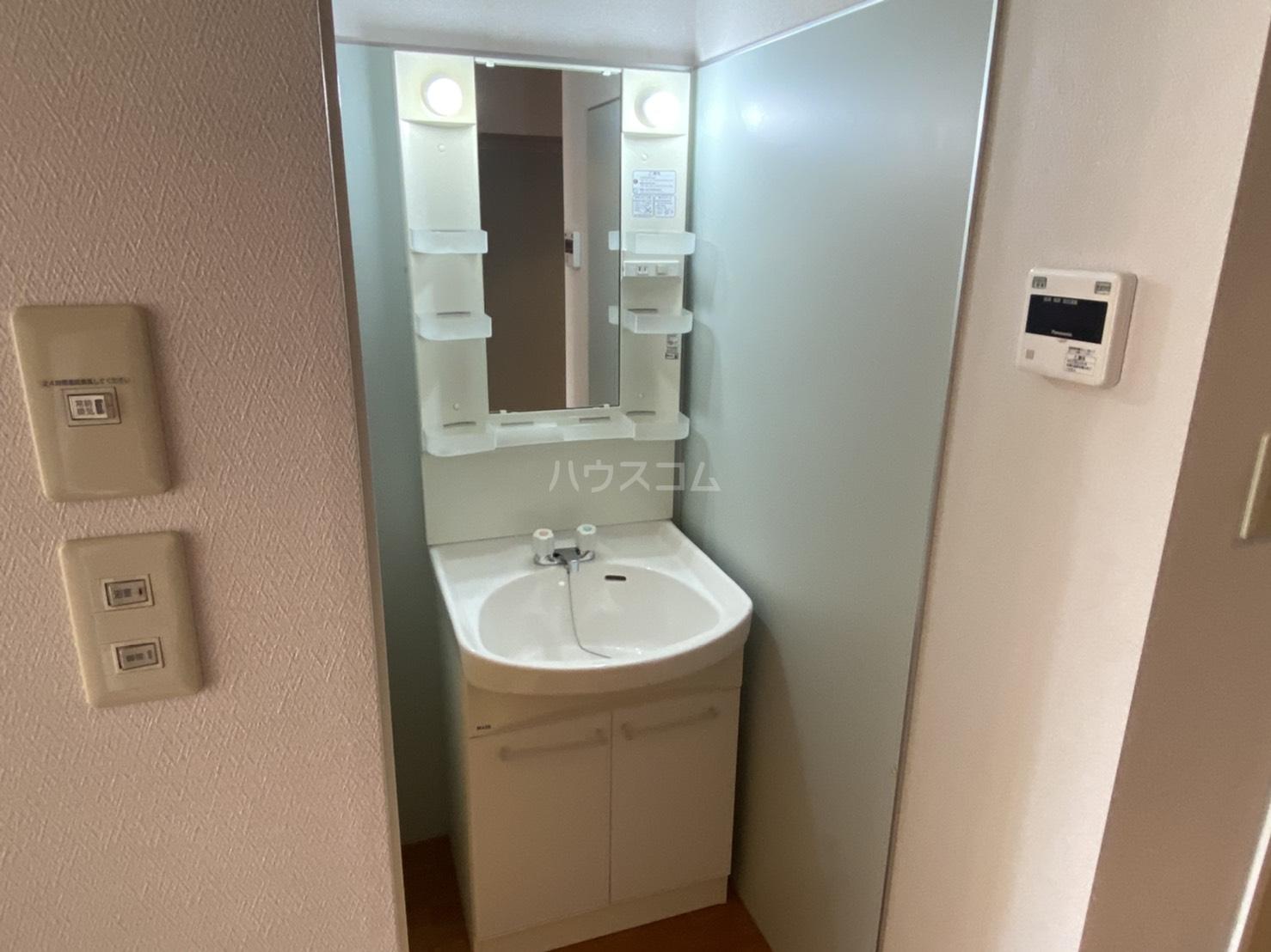 シャントール二条 708号室の洗面所