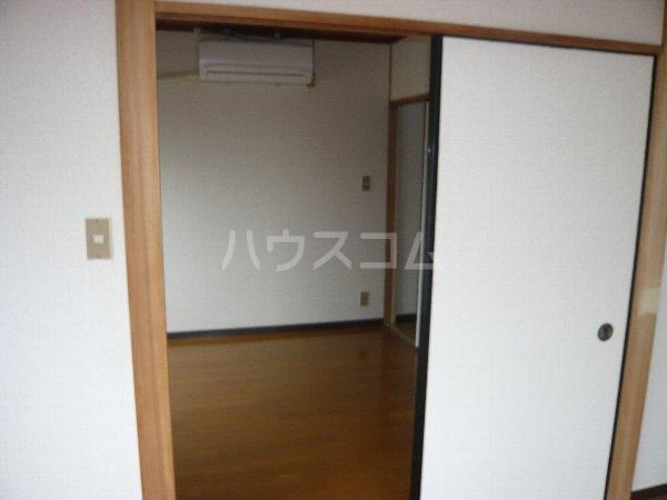 ハイツ相沢 301号室のリビング