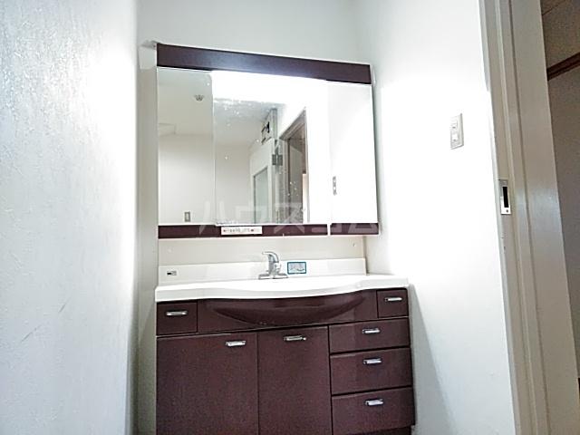 YMビル 602号室の洗面所