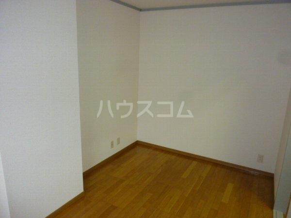 ガーデンハイツYM 402号室の居室