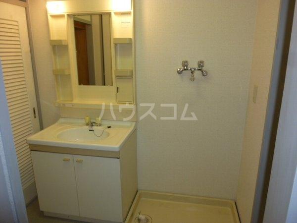 ガーデンハイツYM 402号室の洗面所