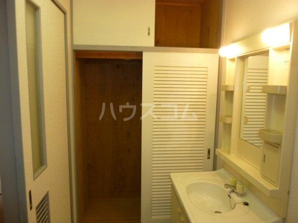 ガーデンハイツYM 402号室の収納