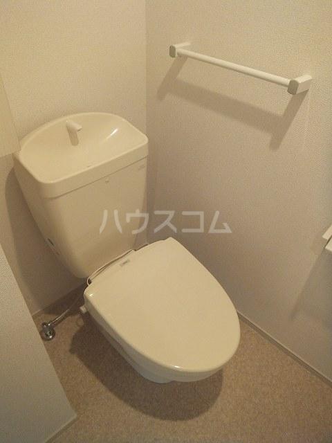 ヒル ヴィレッジ Ⅱ 02040号室のトイレ