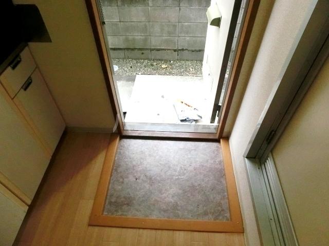 シティハイムファミリア 103号室の玄関