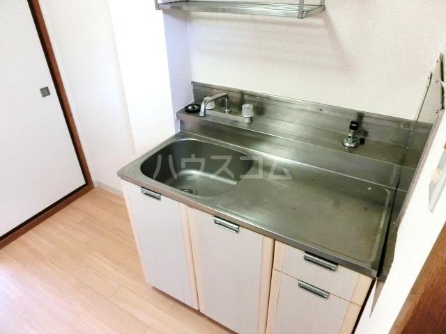 シティハイムファミリア 103号室のキッチン