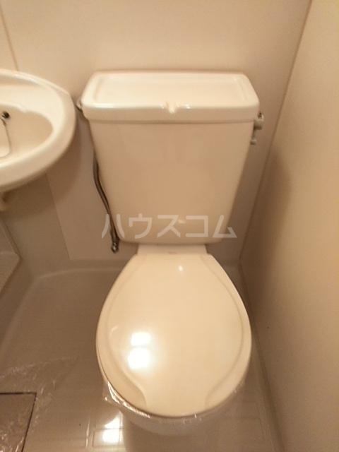 リバティーハウス 302号室のトイレ
