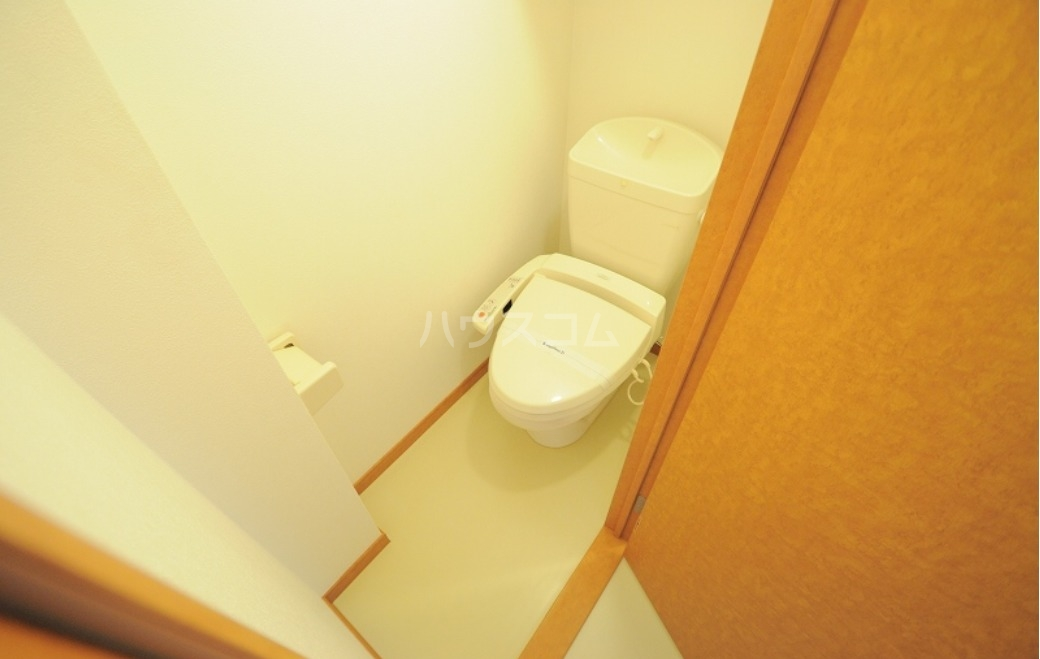 レオパレス大中 105号室のトイレ