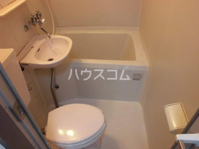 グレーシー西ノ京 402号室のトイレ