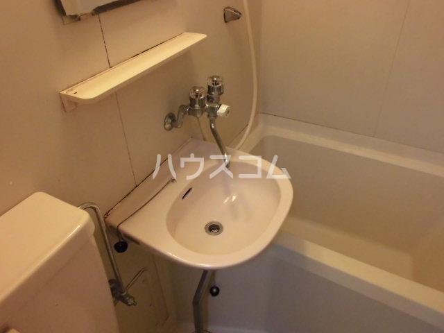 グレーシー西ノ京 402号室の洗面所