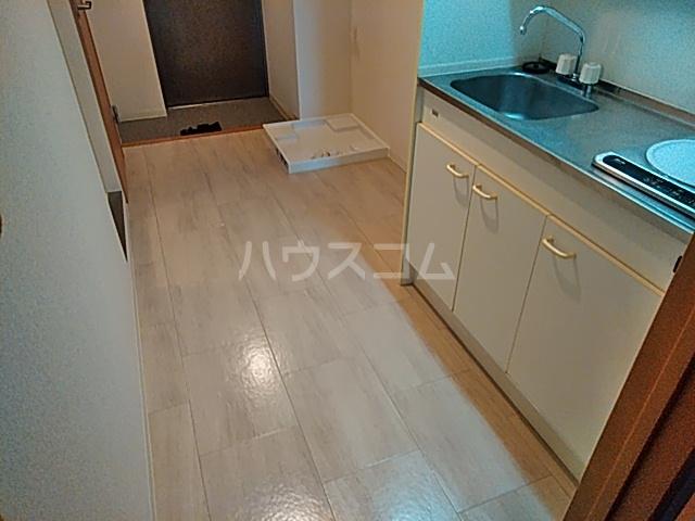 Blois Cerezo 302号室のキッチン