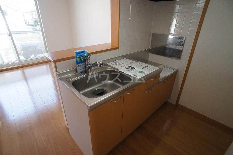 ライフサークルパート12 02010号室のキッチン