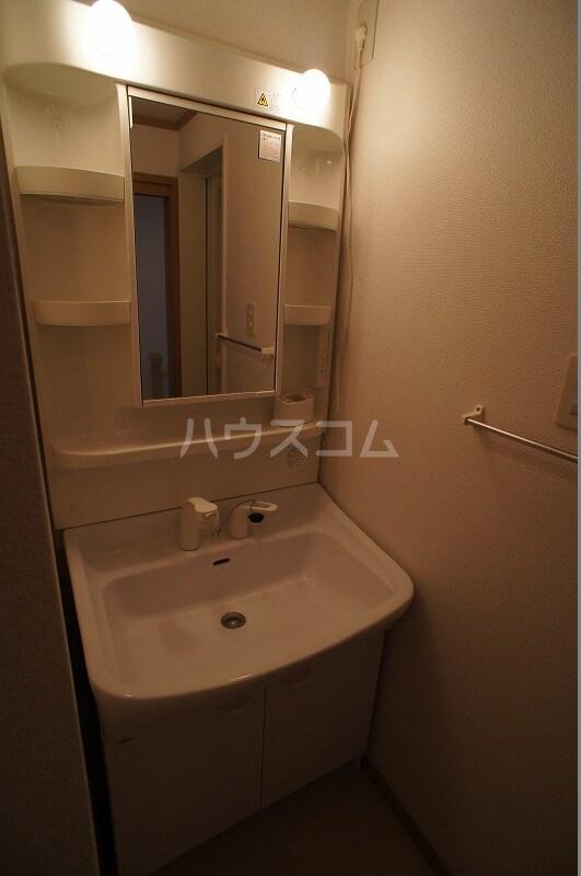 ライフサークルパート12 02010号室の洗面所