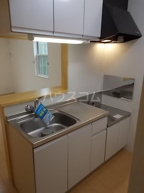 グランシャリオ 大室 01020号室のキッチン