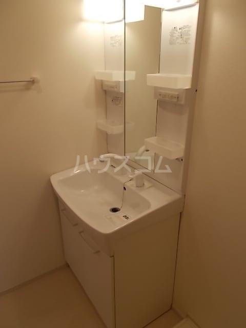 グランシャリオ 大室 01020号室の洗面所