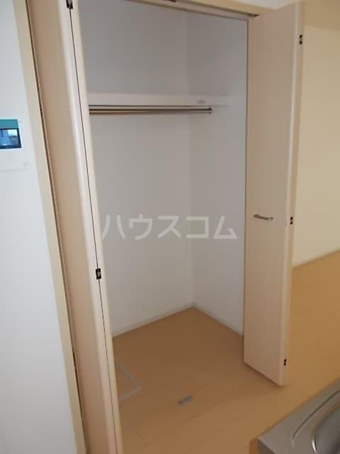グランシャリオ 大室 01020号室の収納