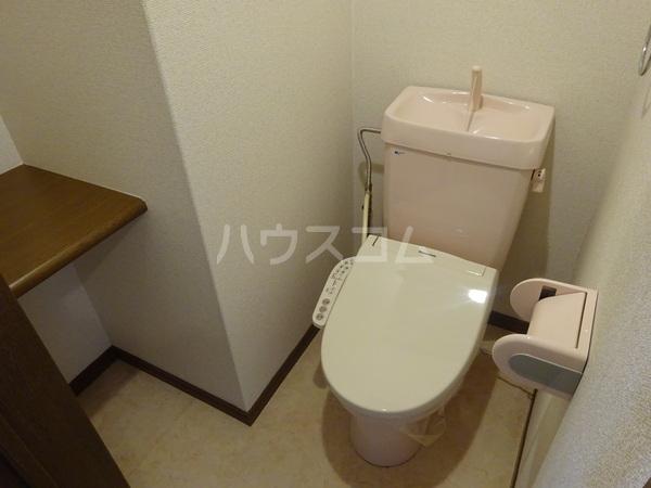 コンフォートベネフィス大橋 102号室のトイレ