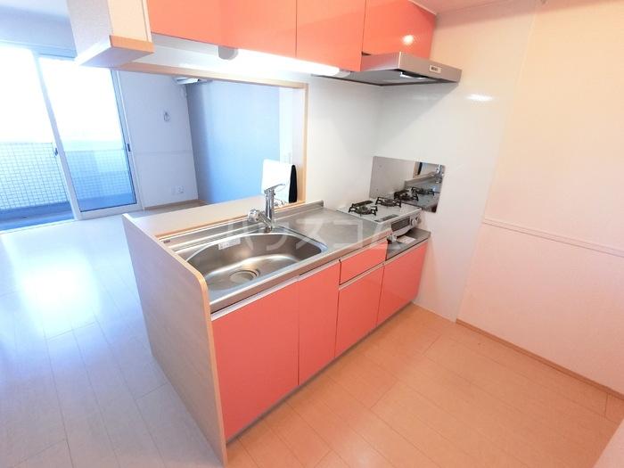 ラ・メゾンMMD Ⅲ 203号室のキッチン