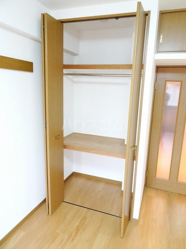 スヴニ-ルⅡ 07030号室の収納