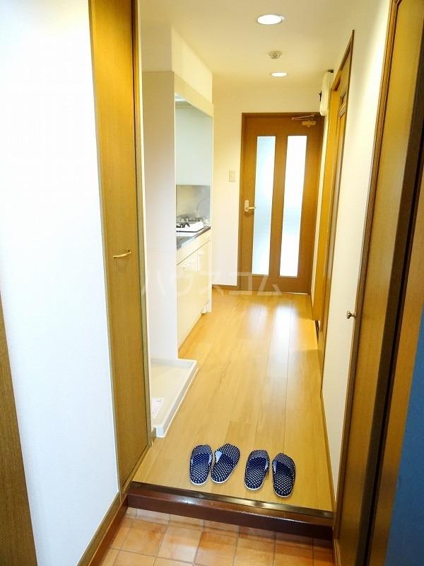スヴニ-ルⅡ 07030号室の玄関