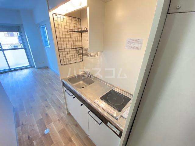セントラル本厚木 601号室のキッチン