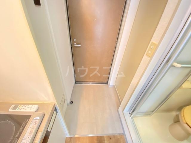 セントラル本厚木 601号室の玄関