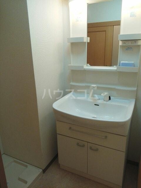 クレセント きららⅡ 03050号室の洗面所