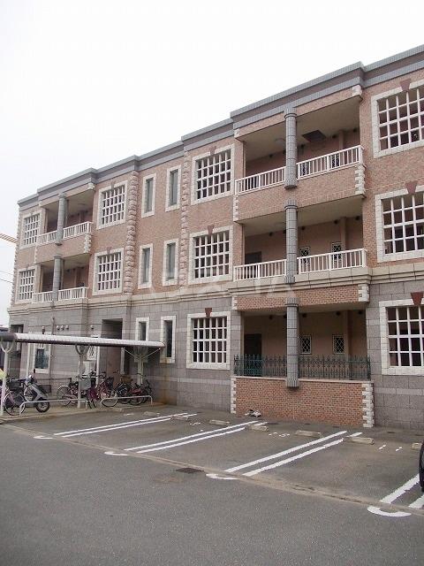 フローラリアⅡ 03010号室の駐車場