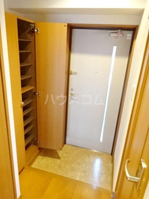 フローラリアⅡ 03010号室の玄関