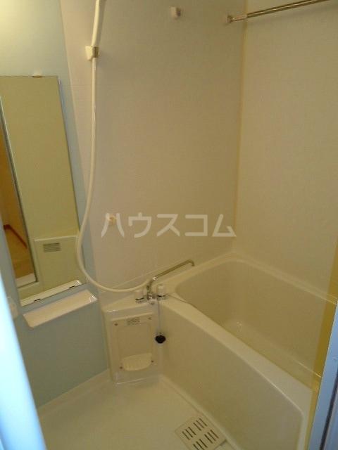 サンラフレシ-ル 02010号室の風呂