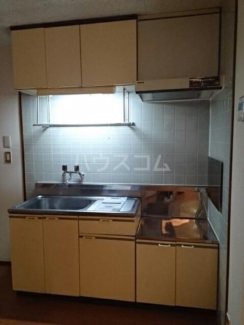 ハイツ吉津 02030号室のキッチン