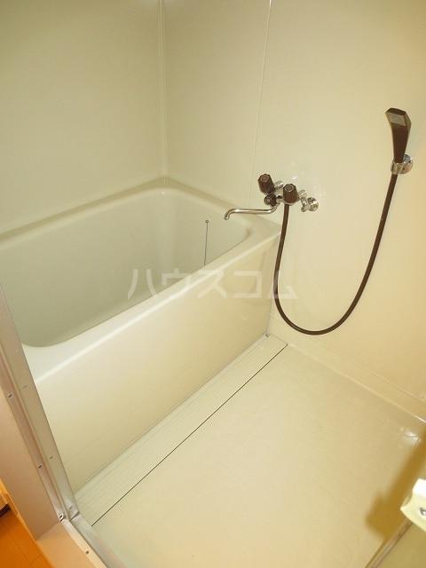 レジデンス吉津 02010号室の風呂