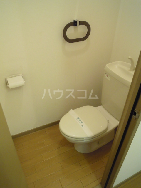 フローラふじみ野 A103号室のトイレ