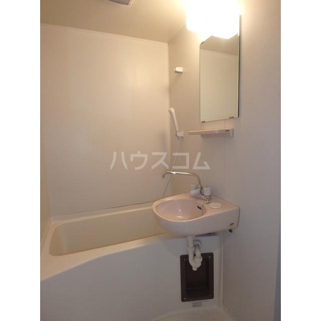 フリーダムA棟 205号室の風呂